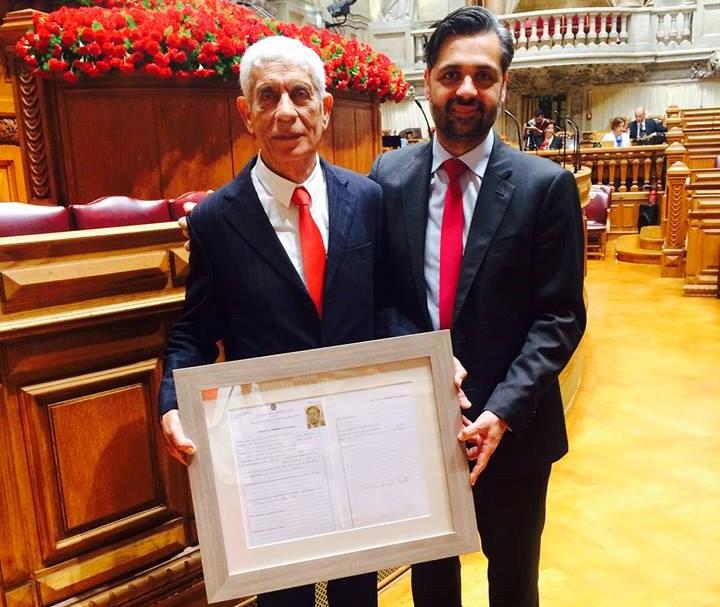 Cristóvão Guerreiro Norte ao lado do seu filho Cristóvão Norte, atualmente deputado do PSD na AR, nas comemorações dos 40 anos da eleição da Constituinte (2015)