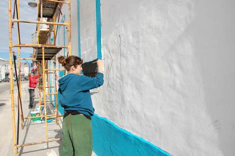 Maria João Careto, do Atelier 13, e Bamby, da Spectrum Style, a trabalhar