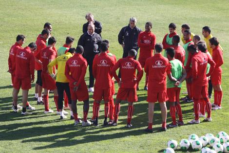 Manuel Cajuda orientou treino mal chegou ao Olhanense