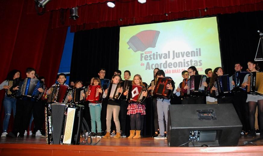 4dab681354 Festival de Acordeonistas de São Brás mostrou jovens talentos algarvios