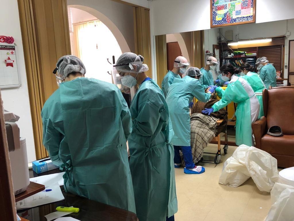 Algarve Biomedical Center já testou 14 lares de idosos em sete ...
